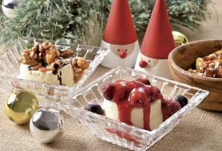 アイスクリームを更に豪華にする トッピングとソース